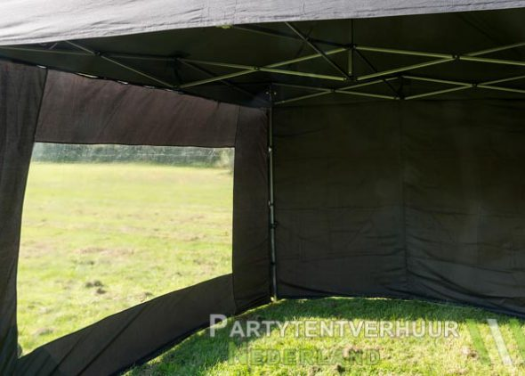 Zwarte easy up tent 3x3 meter voorkant huren in Middelburg