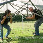 Opbouwen Easy up tent in middelburg